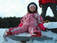 Kind beim Schifahren auf der Stoaninger Alm